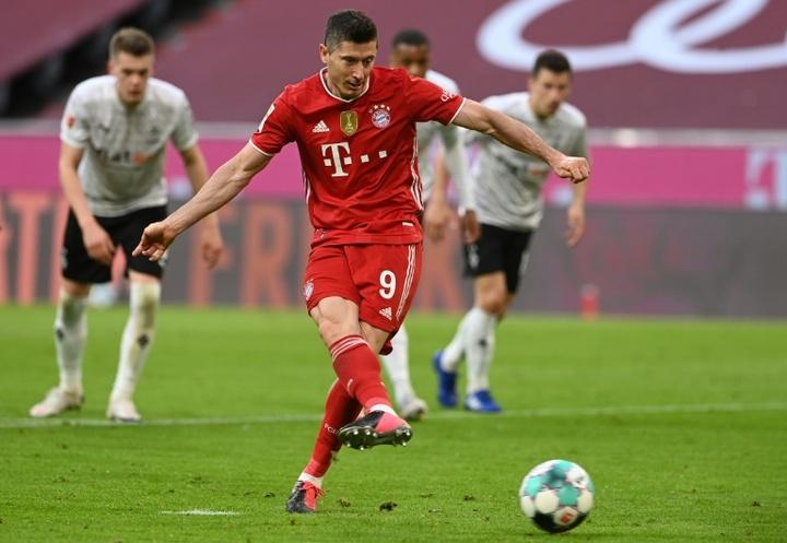 Lewandowski scored a hat-trick in Bayern's 6-0 thrashing of Gladbach. AFP