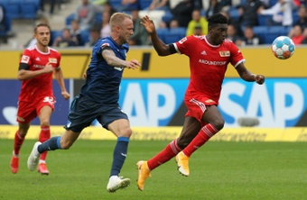 Taiwo Awoniyi (R) scored as Union Berlin drew at Hoffenheim. AFP