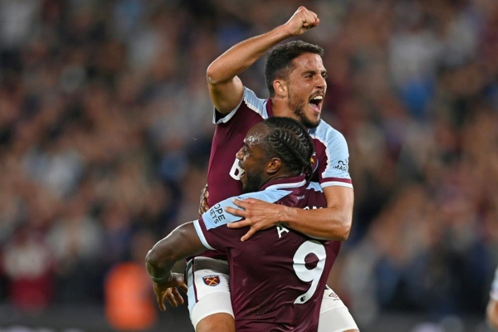 West Ham prend la tête en assommant Leicester. afp