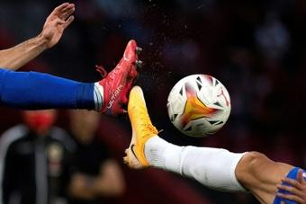 Ligue 2: Sochaux et Auxerre se neutralisent, le Paris FC coule à Niort.