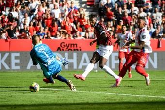 Nice renverse Lyon, Lens se reprend, Rennes enchaîne. AFP
