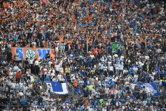 Marseille-Galatasaray brièvement interrompu par des jets de fumigènes. afp