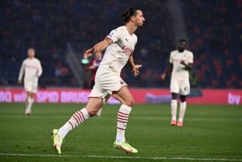 L'AC Milan s'impose dans la douleur à Bologne et prend provisoirement la tête. AFP