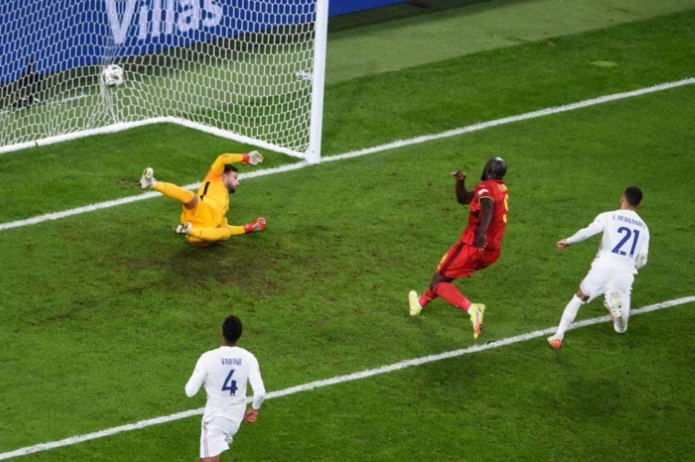 La défense des Bleus a souffert face à Lukaku. AFP