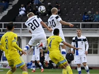 La Finlande bat le Kazakhstan et reste en course. AFP