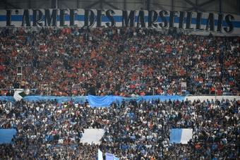 L1: Tifo anti-LFP et fumigènes au Stade Vélodrome.