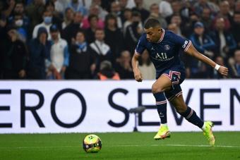 Forfait de la star du PSG Kylian Mbappé, malade, contre Lille. afp