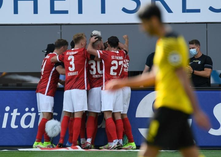 Dortmund battu 2-1 par Fribourg. AFP