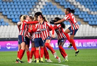 El Atlético fue a Neptuno en cuanto aterrizó en Madrid. EFE