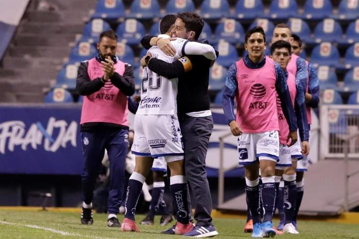Puebla abusa de San Luis y alcanza el tercer puesto. EFE
