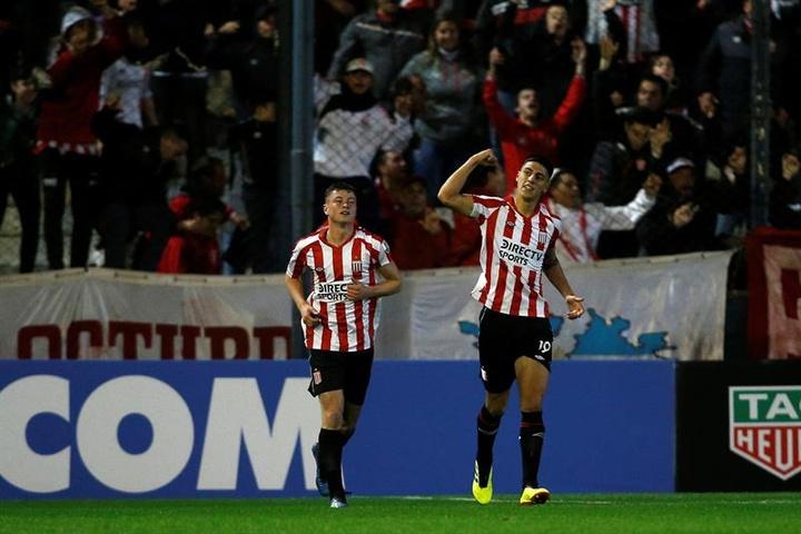 Estudiantes vence a Platense y saca el billete para cuartos de final. EFE
