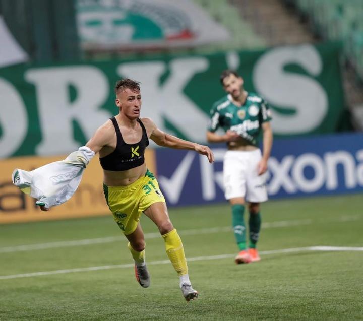 Defensa y Justicia tumbó a Palmeiras (3-4). EFE