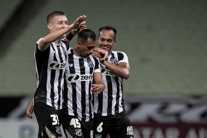 Ceará ganó 2-0 a Bolívar. EFE