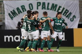 Palmeiras goleó a Universitario. EFE
