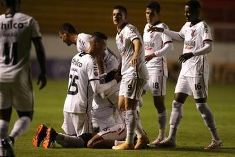 Paranaense le pasa la presión a Bragantino. EFE