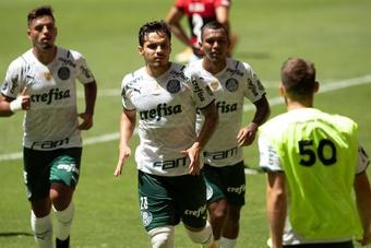 Palmeiras venció a Gremio y se colocó líder. EFE