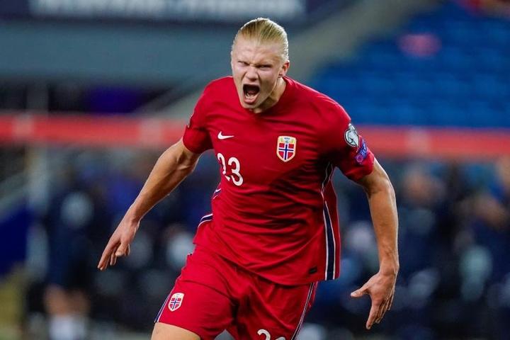 Haaland hizo un 'hat trick' en la goleada de Noruega a Gibraltar. EFE