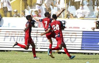 FAS acecha a Alianza en el liderato del Apertura de El Salvador. EFE
