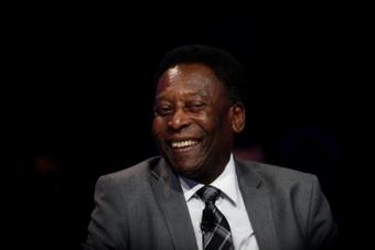 Pelé felicitó a Messi por batir su récord de goles con selecciones. EFE