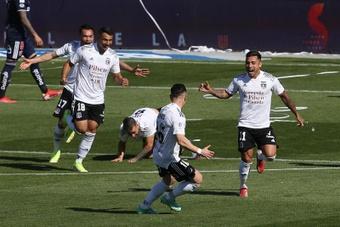 Colo-Colo se impuso 1-3 en el 'Clásico' de Chile. EFE