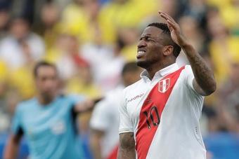 Perú prepara sus próximos duelos con Farfán a la cabeza. EFE