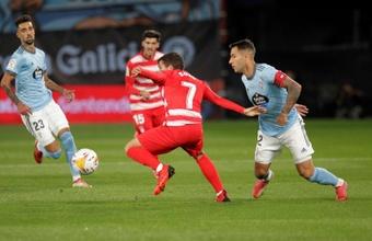 Hugo Mallo, contento con la sufrida victoria ante el Granada. EFE