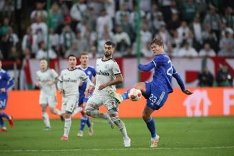 El Leicester cayó 1-0 en Varsovia. EFE/EPA