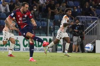 El Venezia logró empatar ante el Cagliari con un gol en el minuto 92. EFE