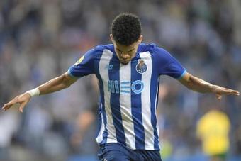 El oporto venció 2-1 al Paços de Ferreira. EFE