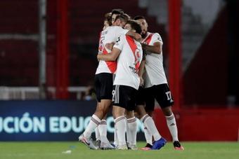 La defensa del liderato de River marca la jornada en Argentina. EFE