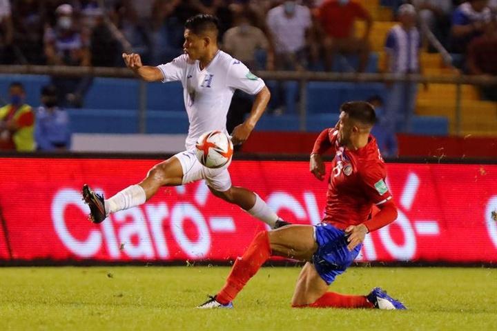 Keylor Navas mantiene el pánico de Honduras a ganar. EFE