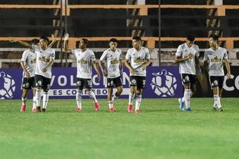 Sporting Cristal gana con sufrimiento y retrasa el alirón de Alianza Lima. EFE