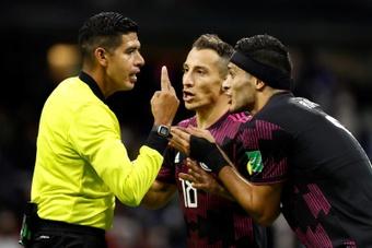 Honduras y México se ven las caras. EFE