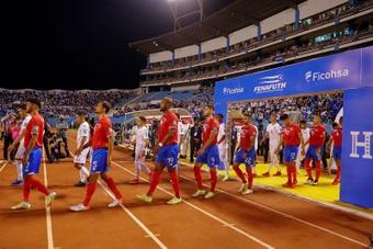 Costa Rica recibirá a El Salvador con necesidad de puntuar. EFE