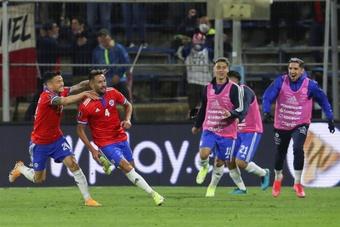 Chile sigue con vida. EFE