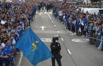 Se registraron varios incidentes durante la previa del derbi asturiano. EFE