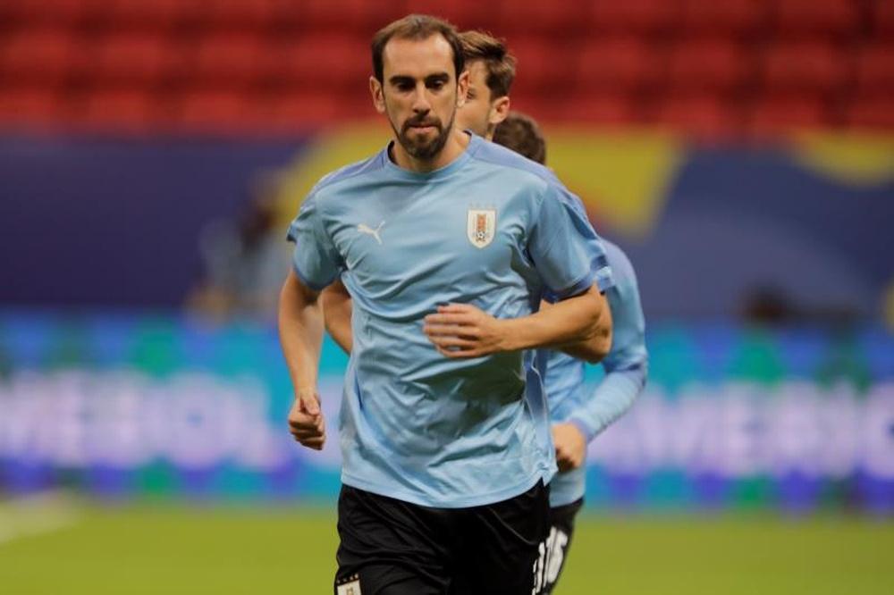 Uruguay se ejercitó antes de viajar a Brasil. EFE