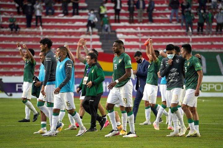 César Farías admitió que el 4-0 no refleja el sufrimiento de Bolivia ante Paraguay. EFE