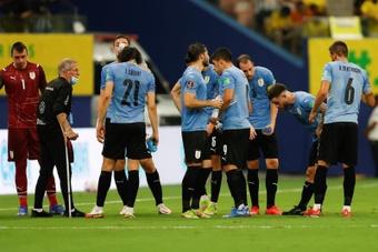 El miedo a no estar en el Mundial acecha a Uruguay. EFE