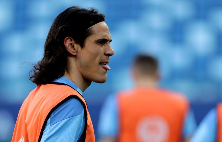 Cavani, preocupado por la situación de Uruguay. EFE