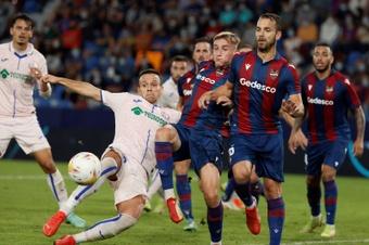 Dos meses tardó el Levante en terminar un partido con la meta a cero. EFE