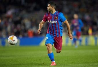 Así fue el debut del Kun: ovación de un Camp Nou que cree en él. EFE