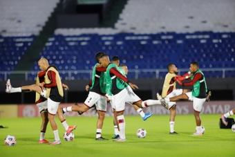 Pinchazo serio de Mineiro y Flamengo 'pasa' de calentar la Liga. EFE