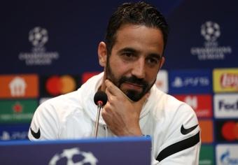 Amorim garantiza que Adán seguirá en su equipo. EFE