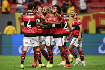 Flamengo sigue en su particular persecución. EFE