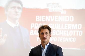 Barros Schelotto llega a Paraguay con la ambición por bandera. EFE