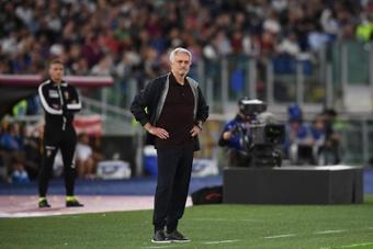 Mourinho fue expulsado por sus vehementes quejas. EFE
