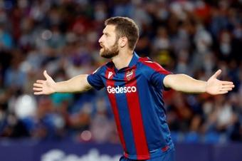 Mustafi se perderá tres semanas de fútbol. EFE