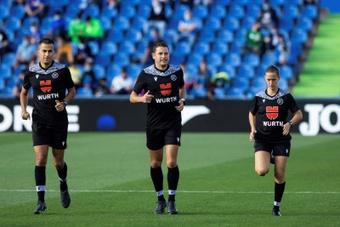 Confirmados los árbitros para la jornada 12 de Primera División. EFE