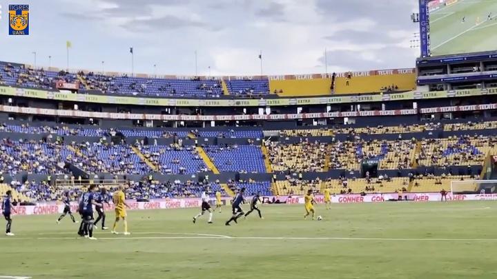 Conexión uruguaya ante Querétaro. Captura/Dugout